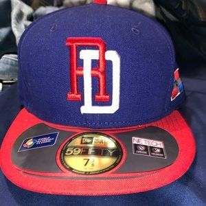 Brand new Dominican Republic New Era hat
